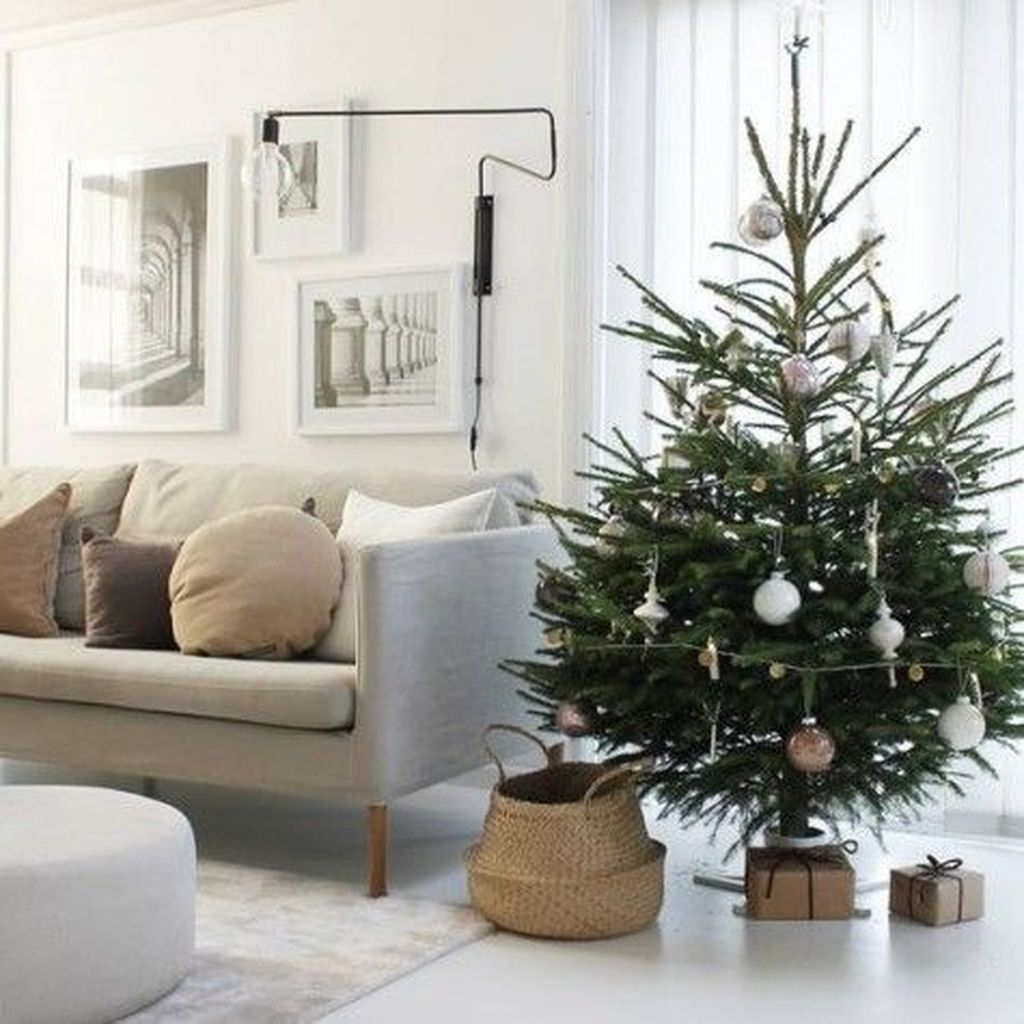 Popular Minimalist Winter Decor Ideas You Should Try 01