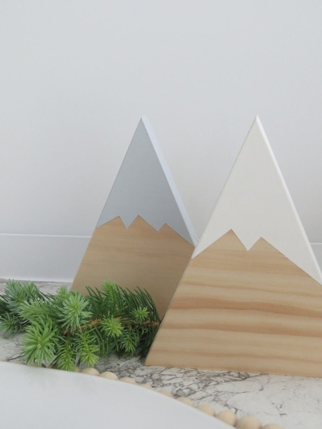 Popular Minimalist Winter Decor Ideas You Should Try 02