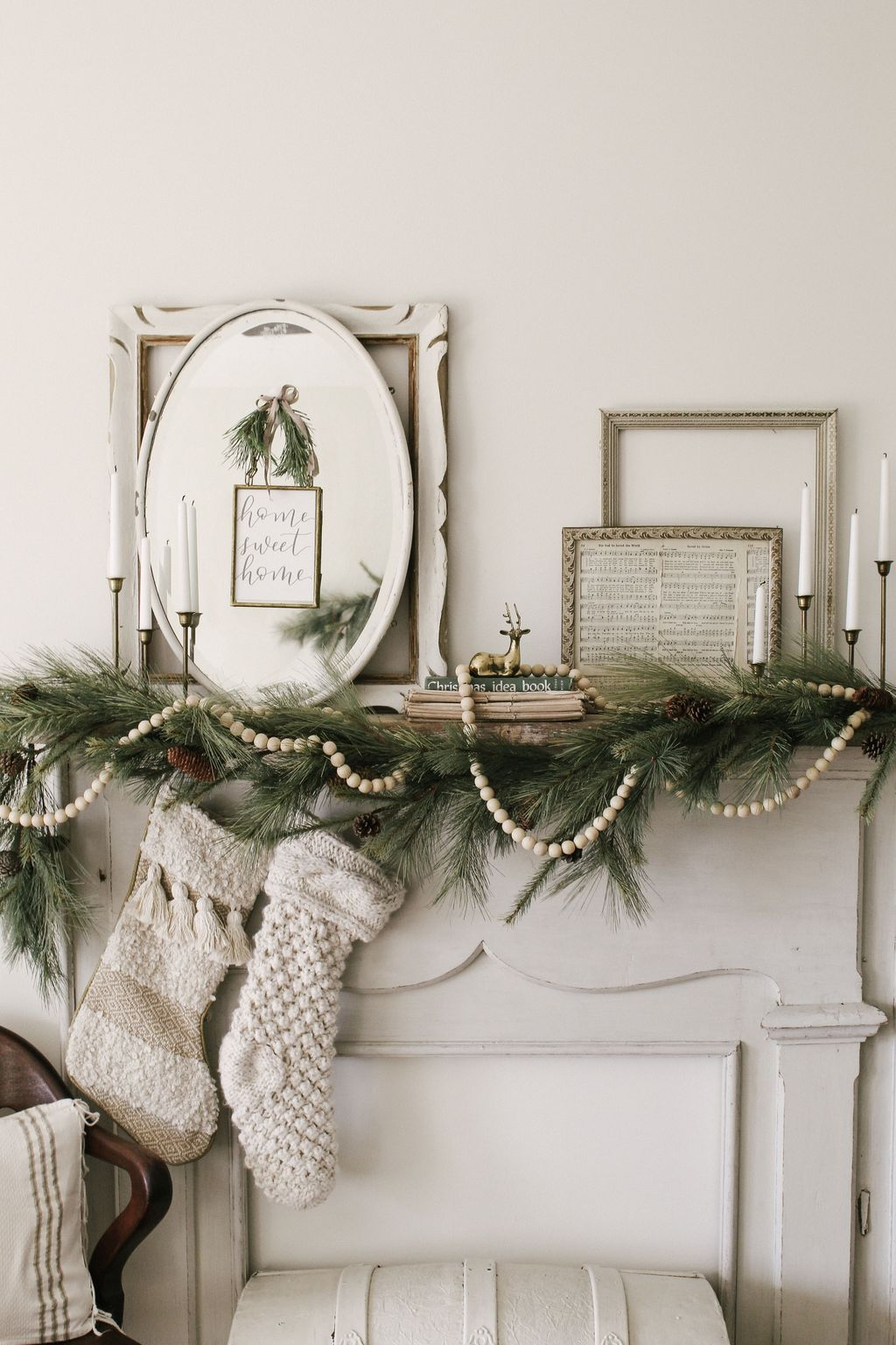 Popular Minimalist Winter Decor Ideas You Should Try 10