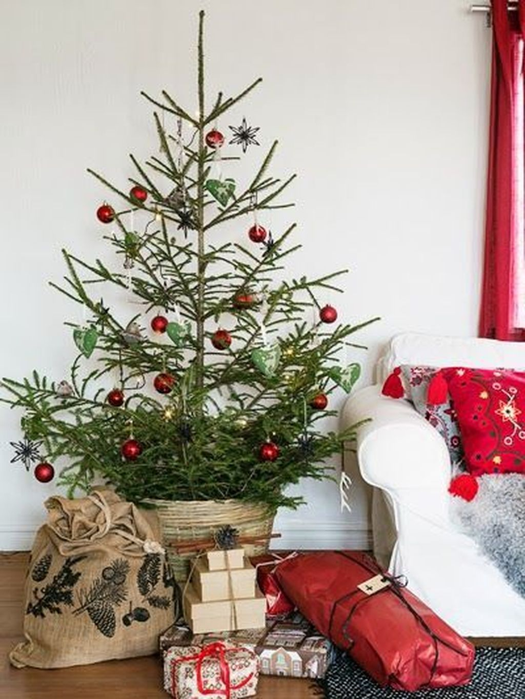 Popular Minimalist Winter Decor Ideas You Should Try 15