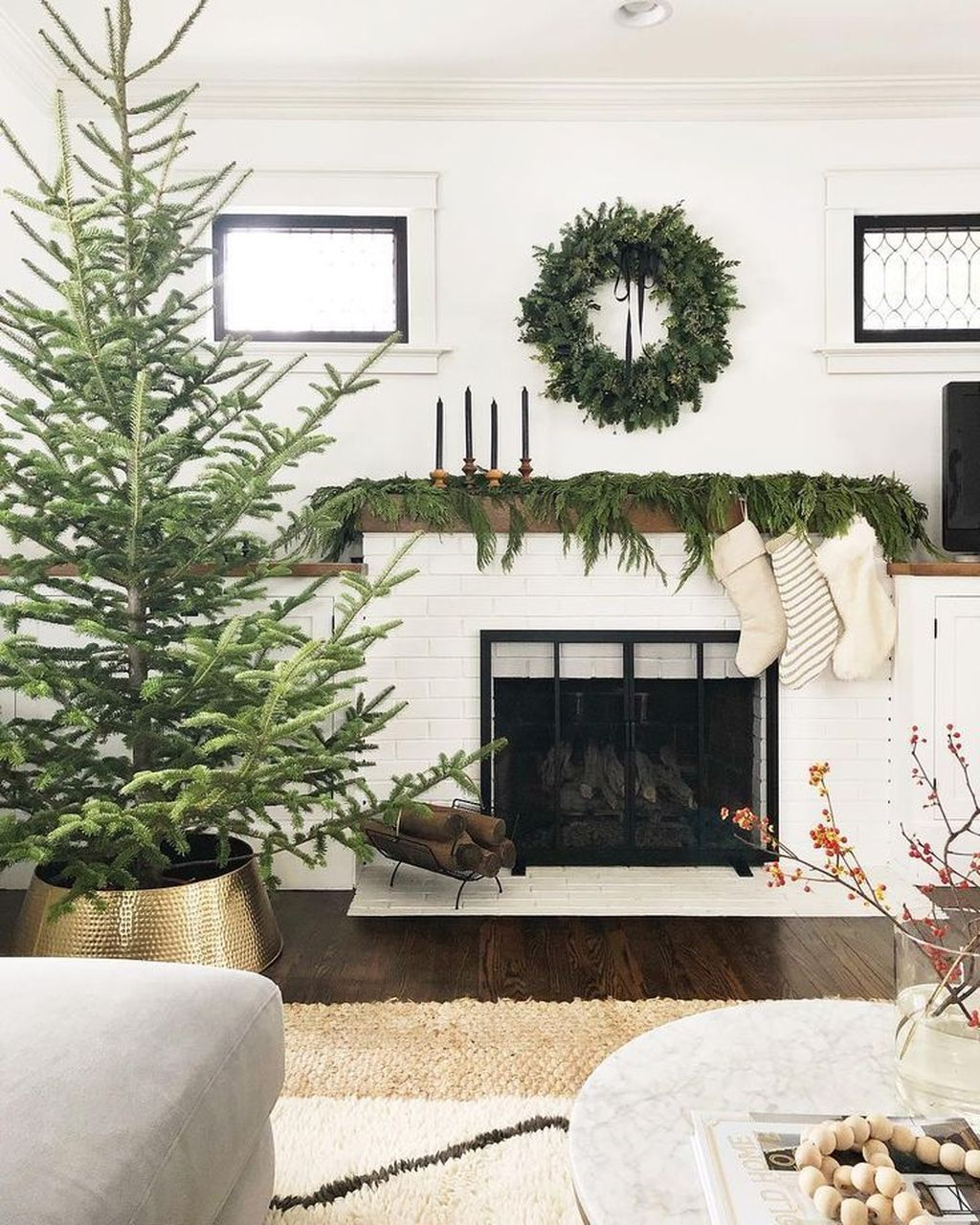 Popular Minimalist Winter Decor Ideas You Should Try 17