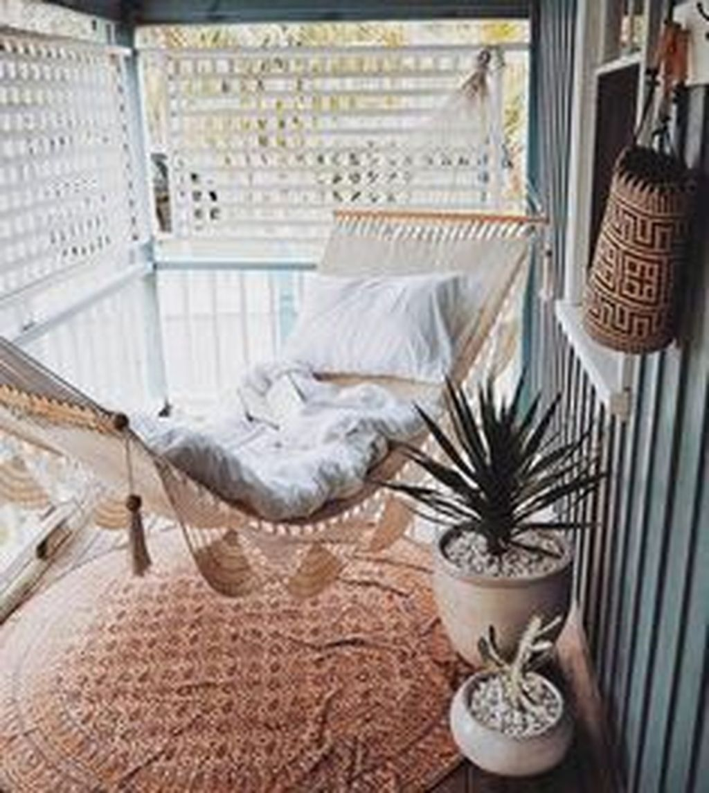 Stunning Apartment Balcony Decor Ideas For This Winter 13