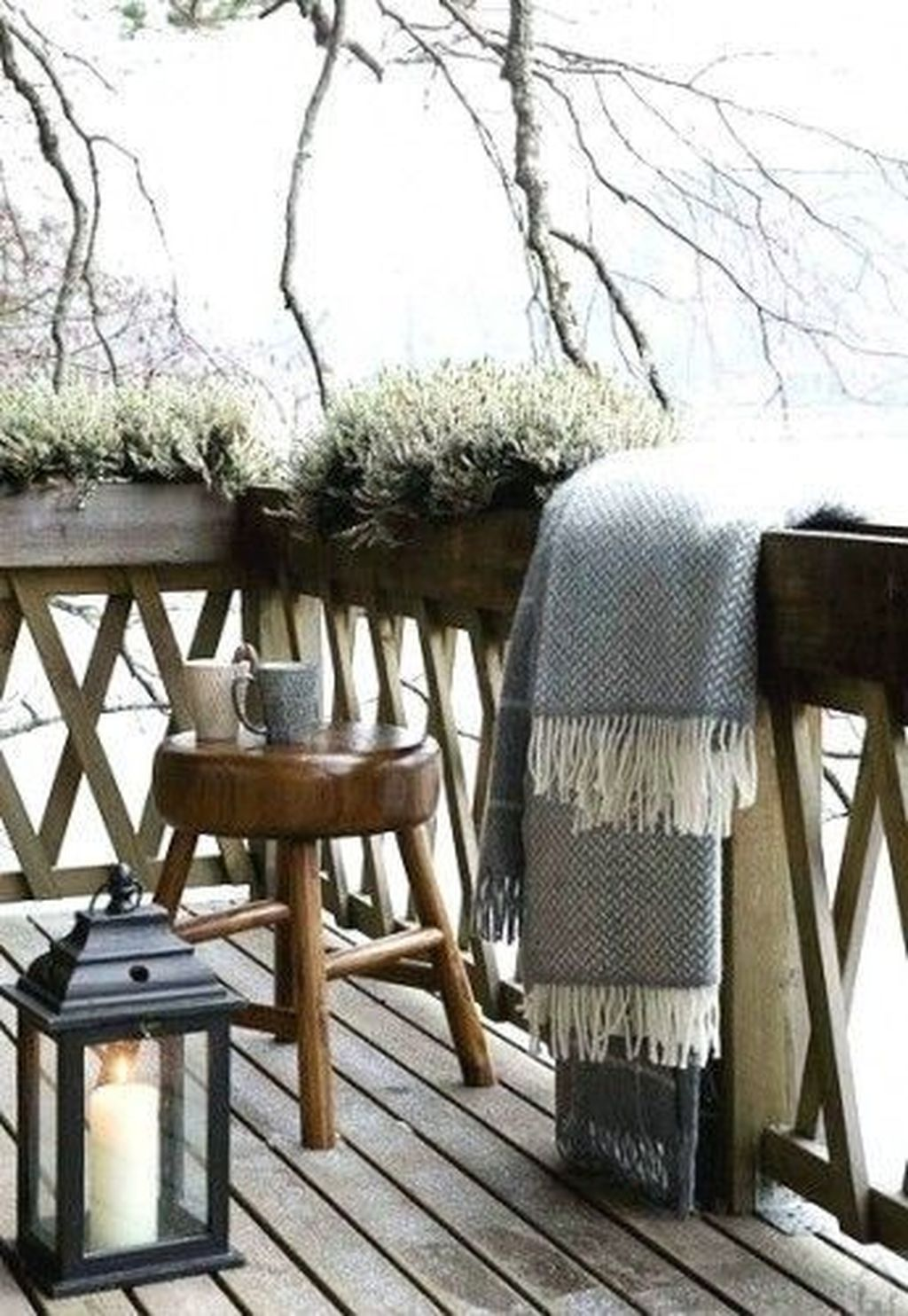 Stunning Apartment Balcony Decor Ideas For This Winter 17