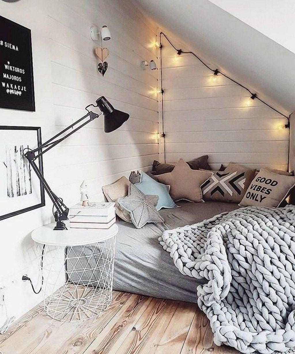 Stunning Bedding Ideas For Cozy Bedroom 13
