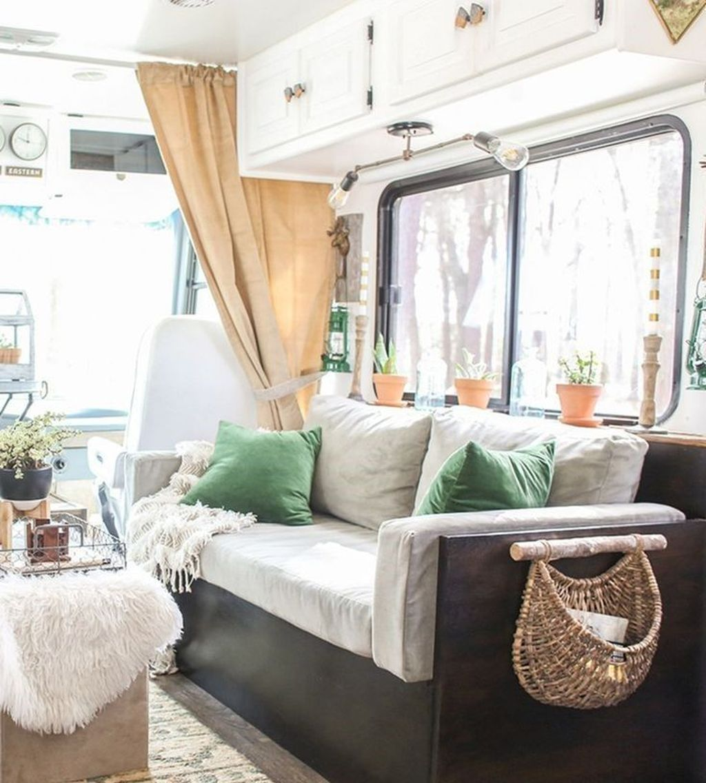 Stunning RV Christmas Decorations Ideas 25