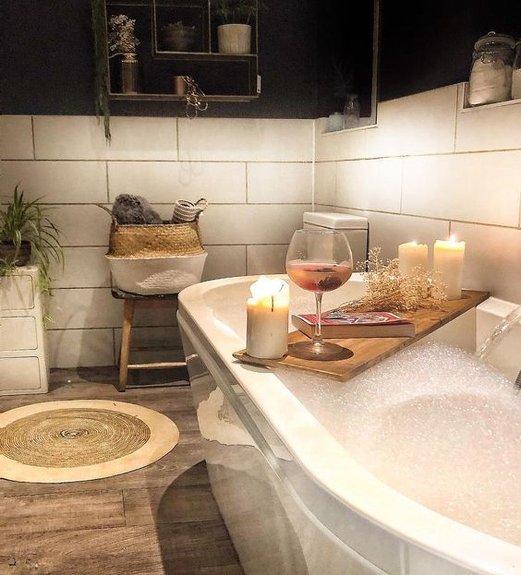 The Best Winter Bathroom Decor Ideas 06