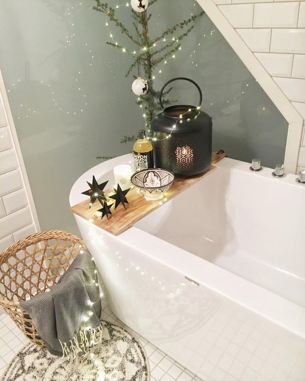 The Best Winter Bathroom Decor Ideas 34