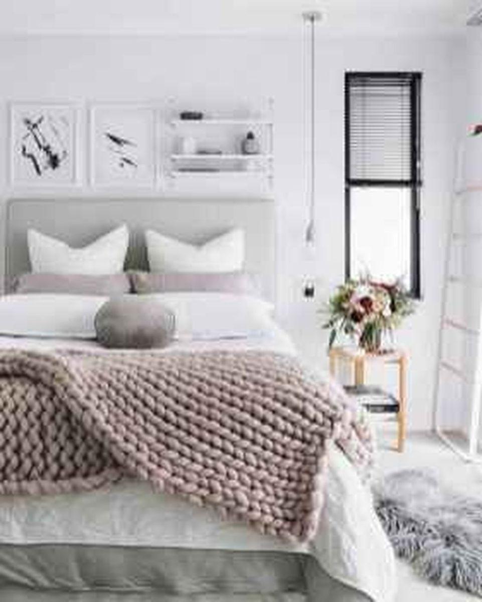 Beautiful Winter Apartment Decor Ideas 08