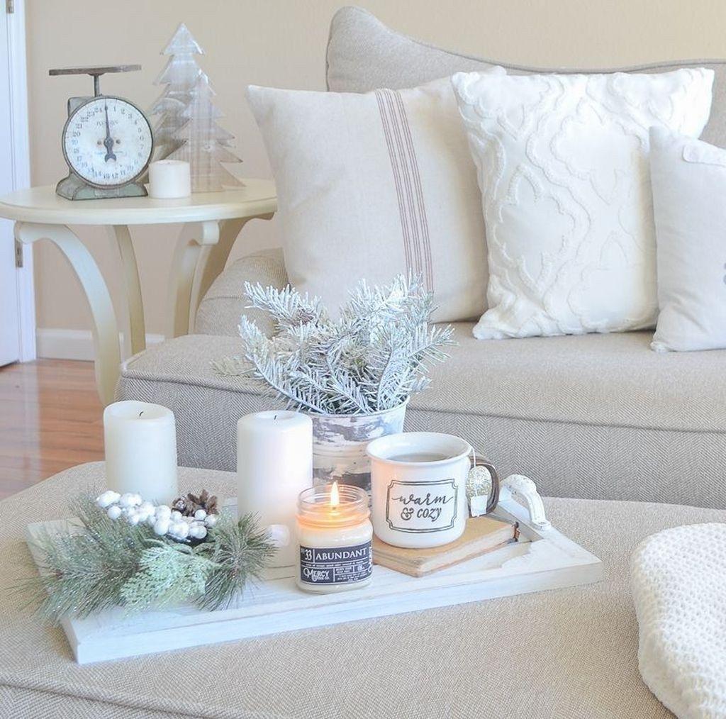 Beautiful Winter Apartment Decor Ideas 14