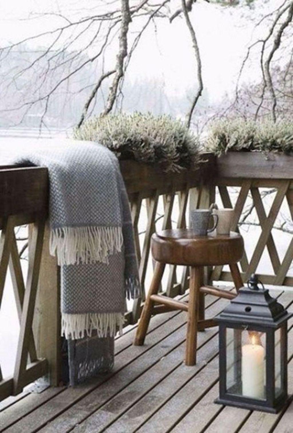 Beautiful Winter Apartment Decor Ideas 20