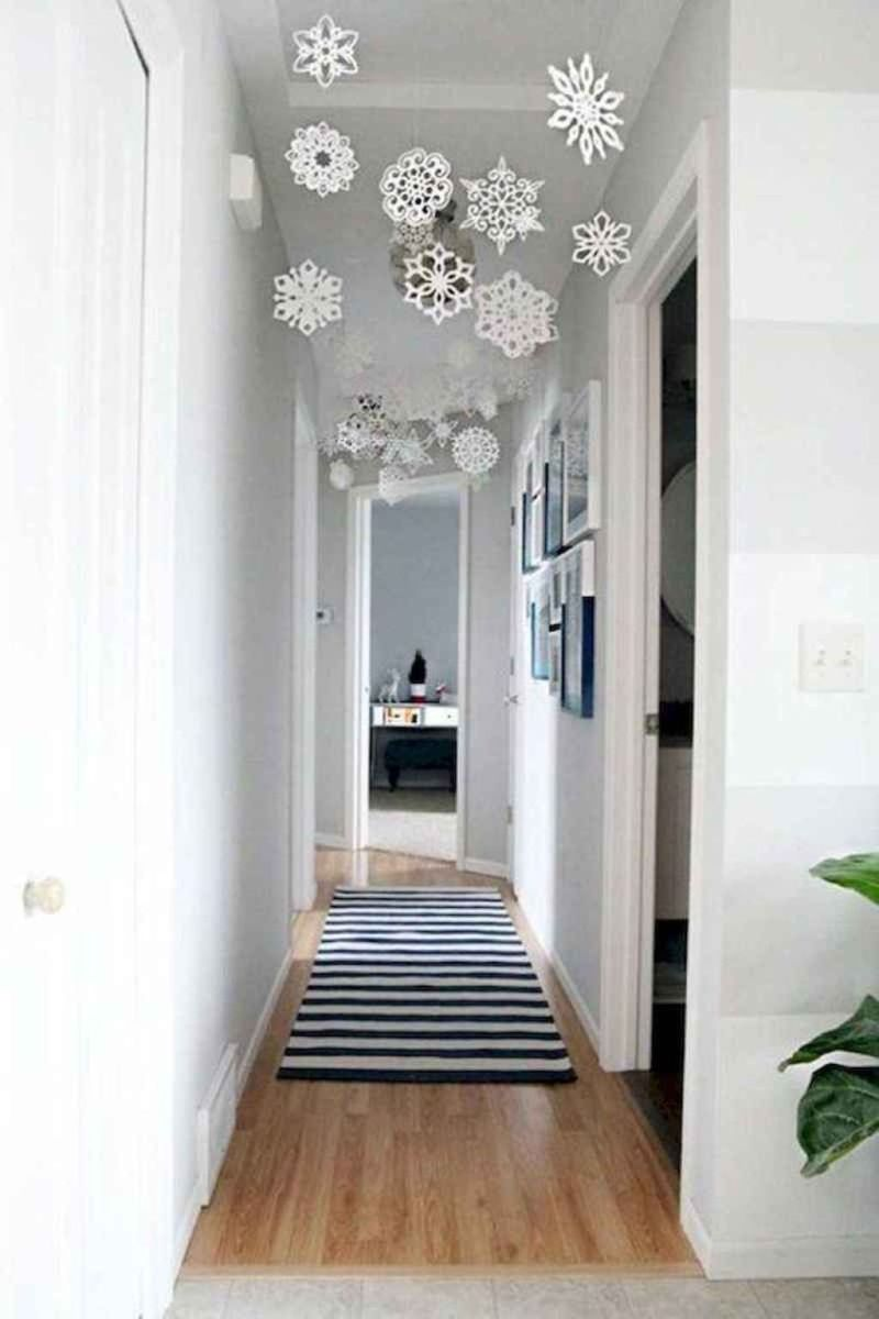 Beautiful Winter Apartment Decor Ideas 24