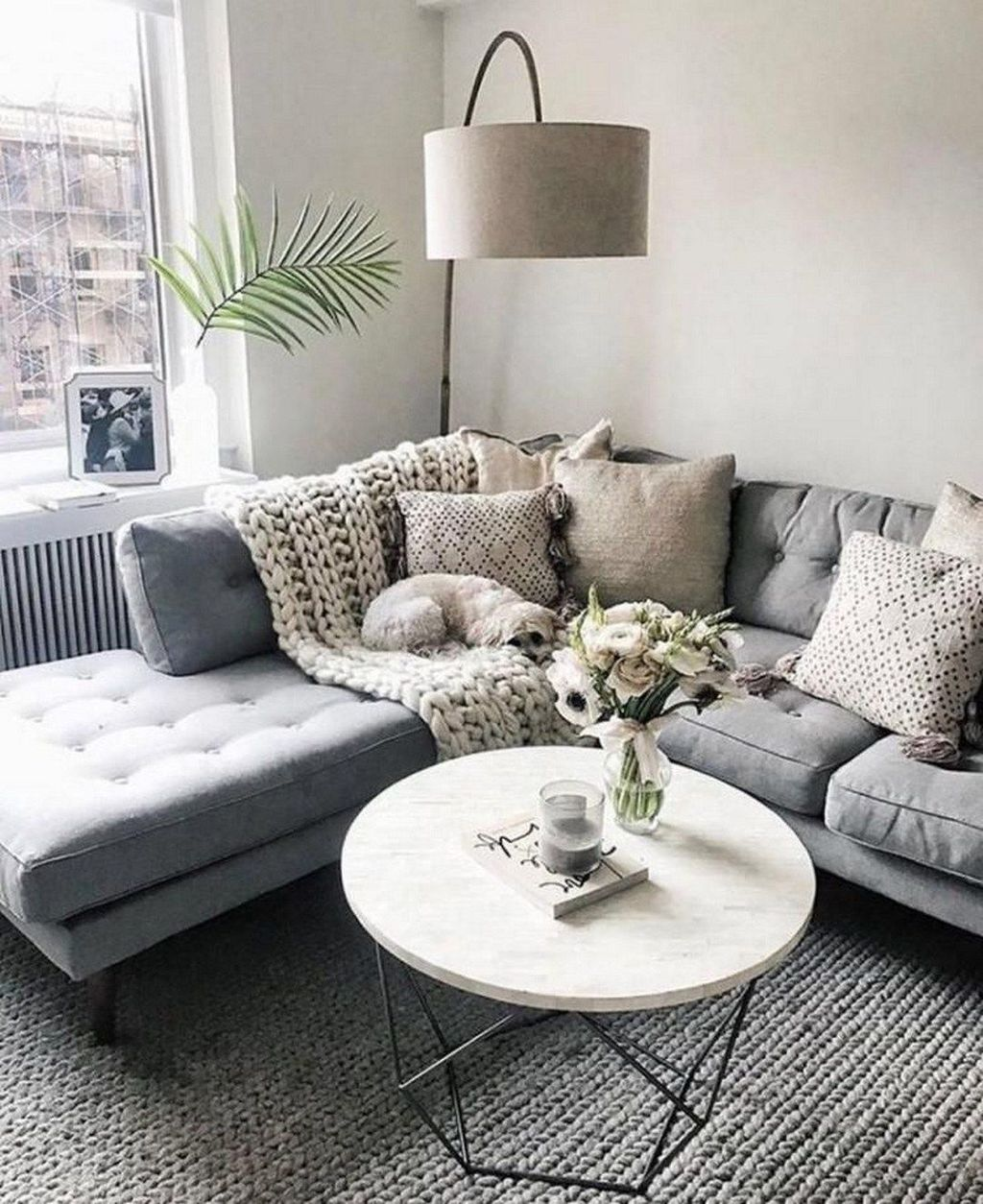 Beautiful Winter Apartment Decor Ideas 25