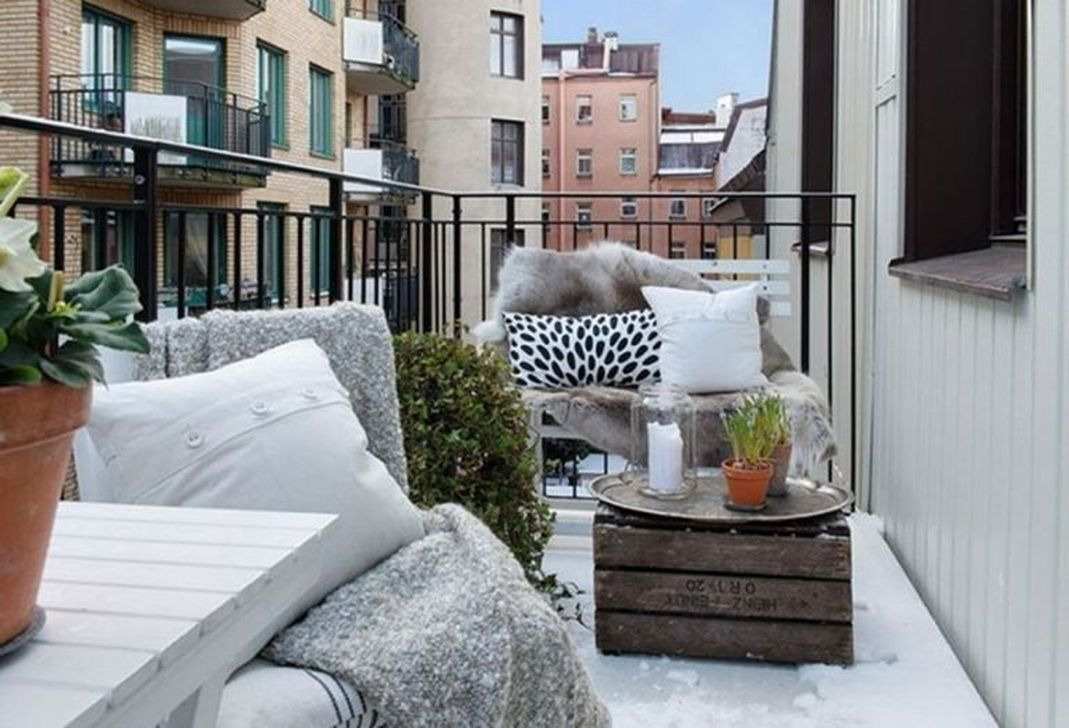 Beautiful Winter Apartment Decor Ideas 29