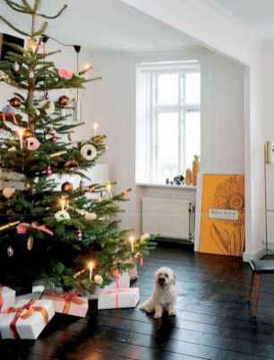Beautiful Winter Apartment Decor Ideas 30