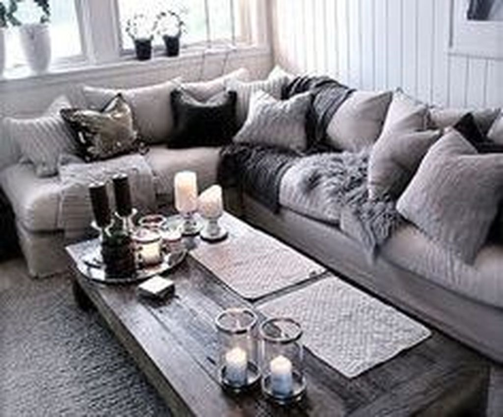 Beautiful Winter Apartment Decor Ideas 33