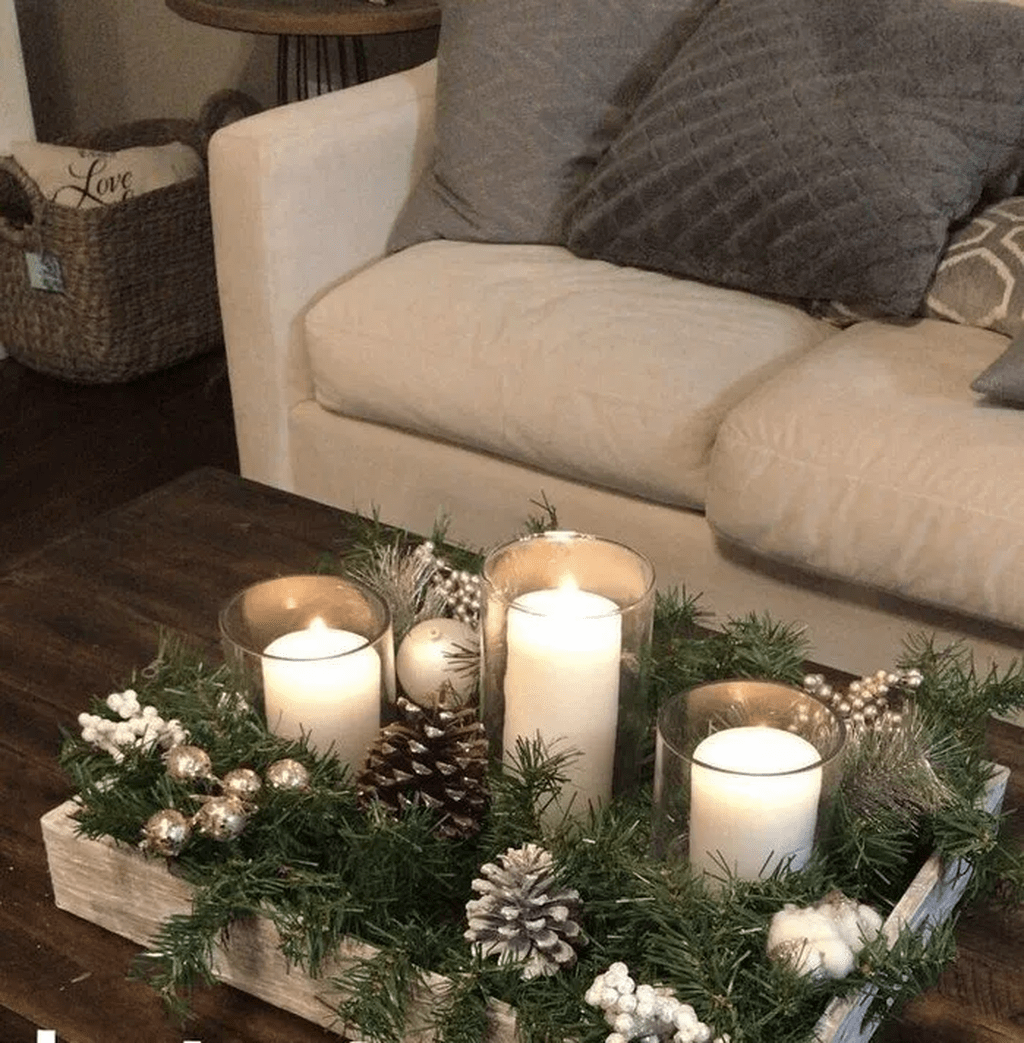 Nice Winter Table Centerpieces Decoration Ideas 14