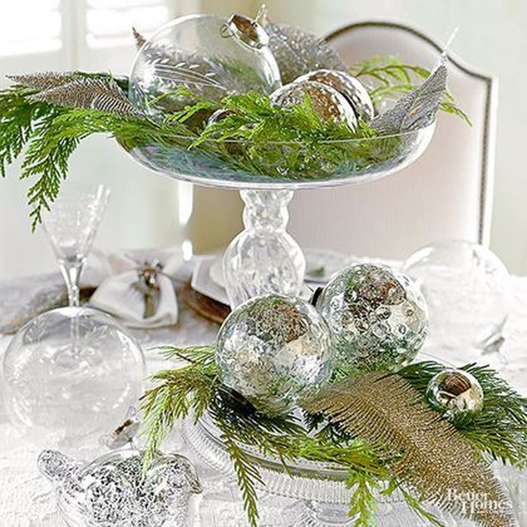 Nice Winter Table Centerpieces Decoration Ideas 24