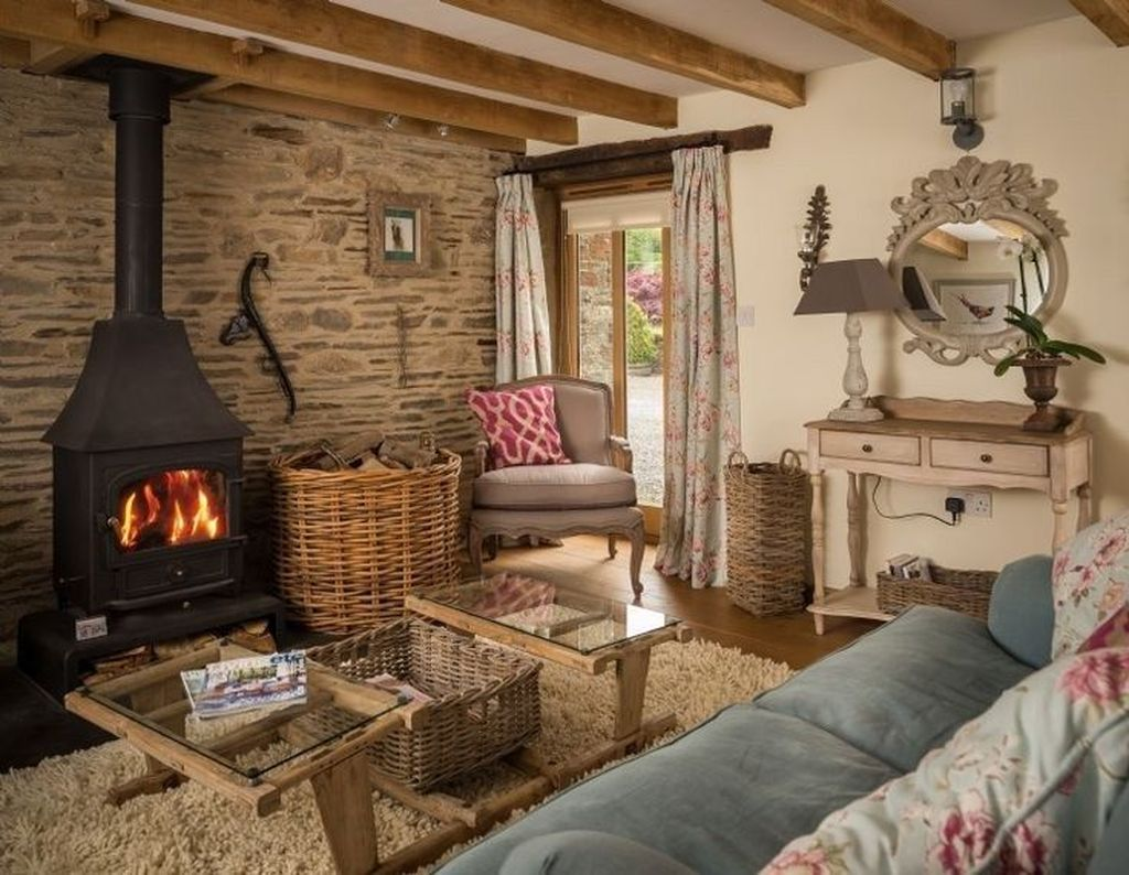 Amazing Small Cottage Interiors Decor Ideas 02