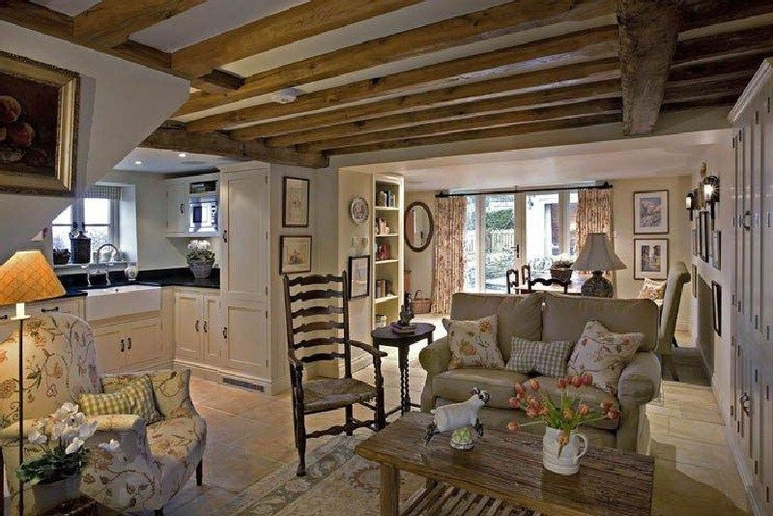 Amazing Small Cottage Interiors Decor Ideas 22