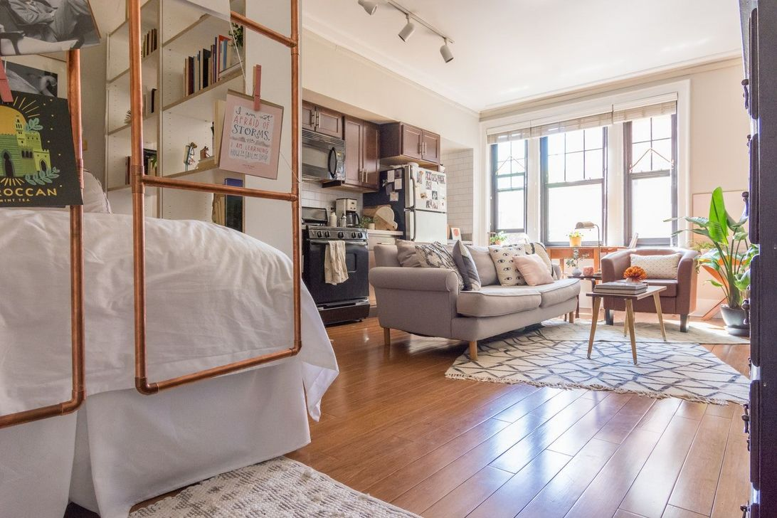 Amazing Studio Apartment Layout Ideas 15