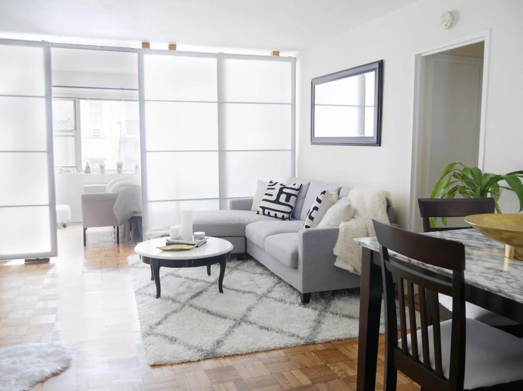 Amazing Studio Apartment Layout Ideas 32