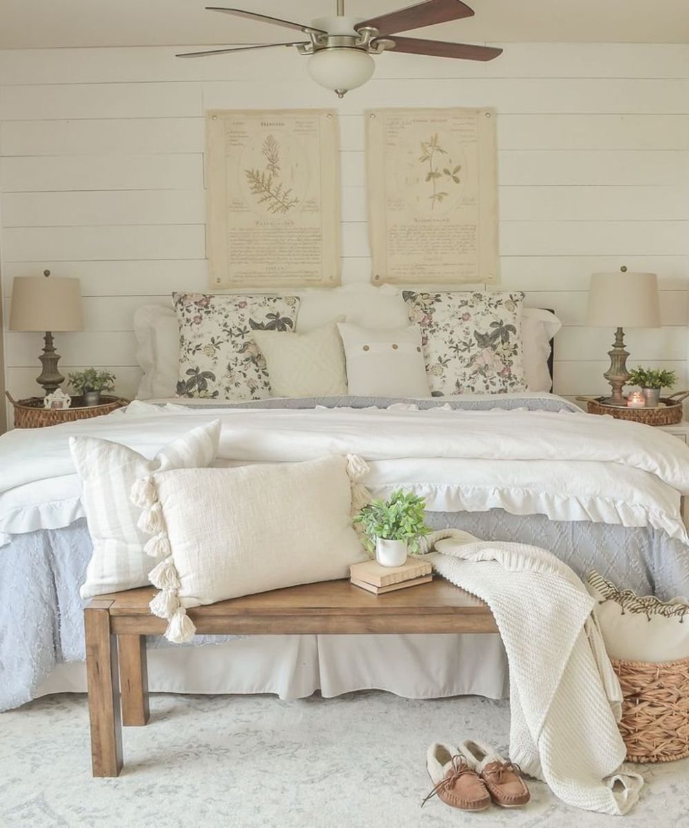 Awesome Cottage Bedroom Decoration Ideas 30