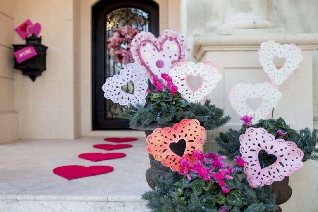 Awesome Valentines Day Porch Decor Ideas Which You Definitely Like 04