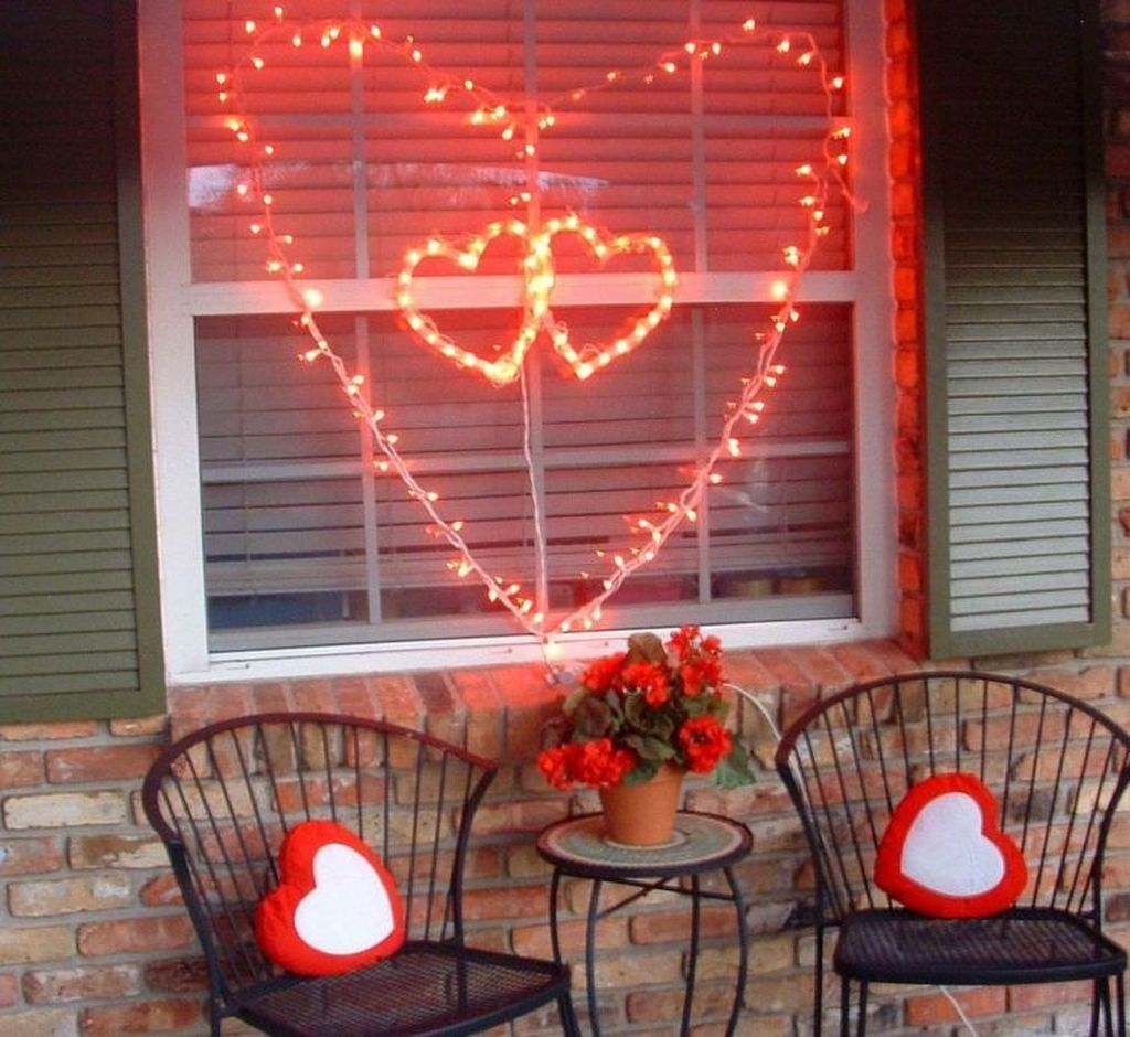 Awesome Valentines Day Porch Decor Ideas Which You Definitely Like 19