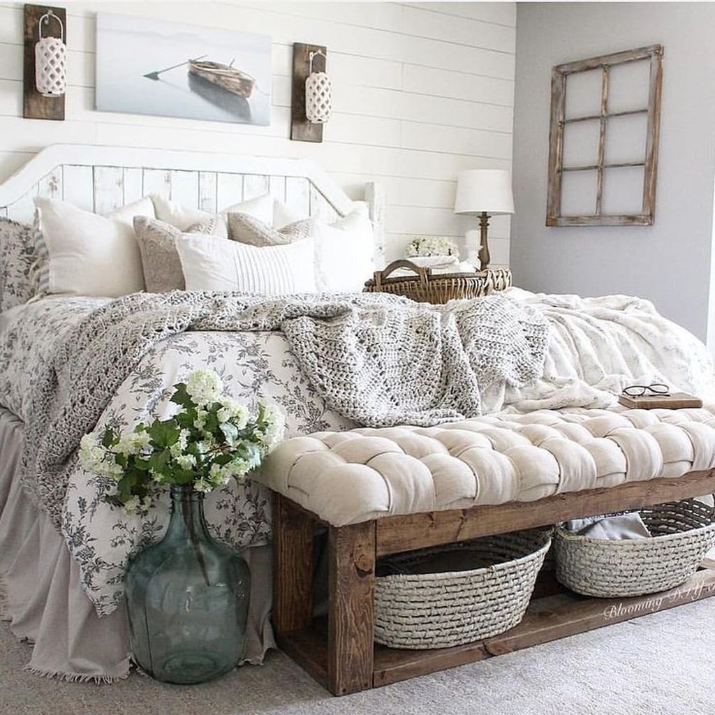 Gorgeous Rustic Bedroom Design And Decoration Ideas 04