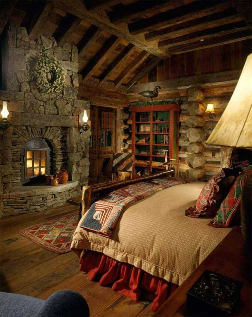Gorgeous Rustic Bedroom Design And Decoration Ideas 21