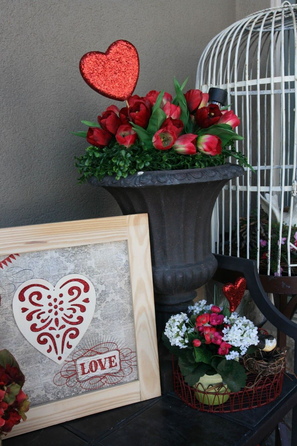 Gorgeous Valentine Wall Decor To Beautify Your Home 01