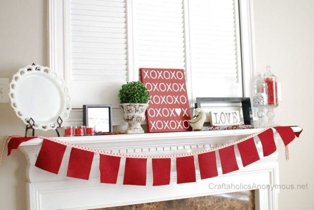 Gorgeous Valentine Wall Decor To Beautify Your Home 15