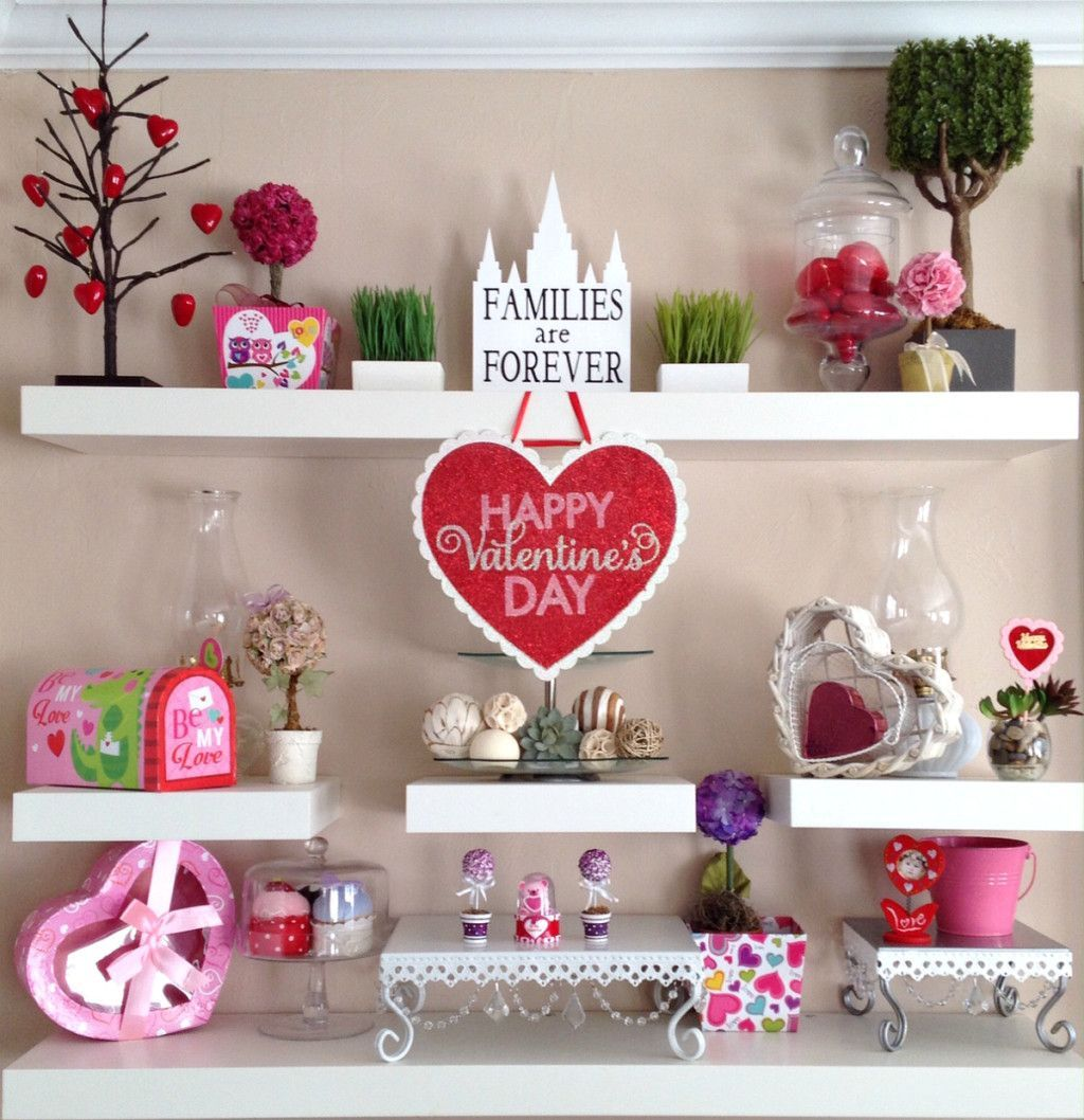 Gorgeous Valentine Wall Decor To Beautify Your Home 29