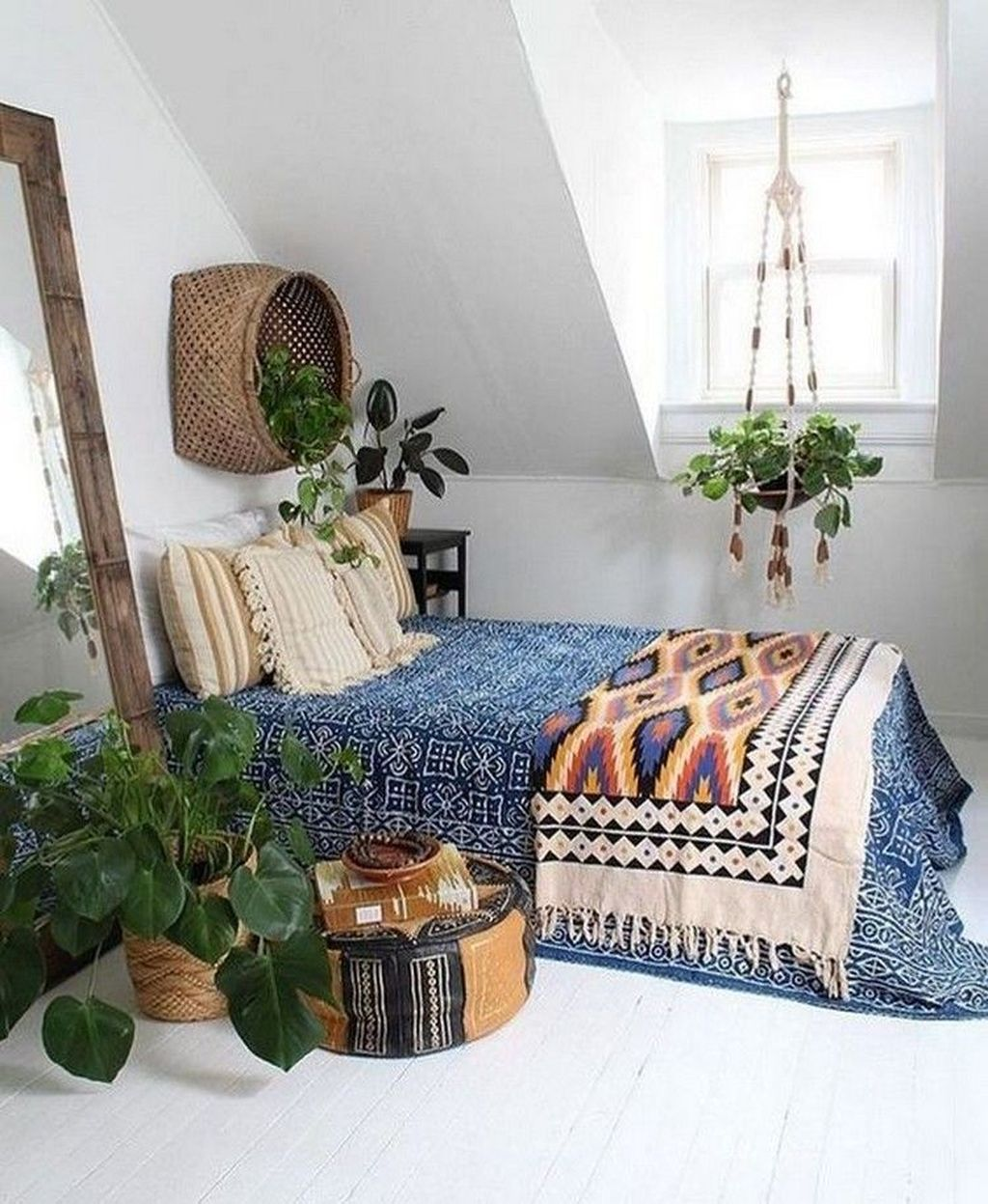 Lovely Bohemian Bedroom Decor Ideas You Have To See 17