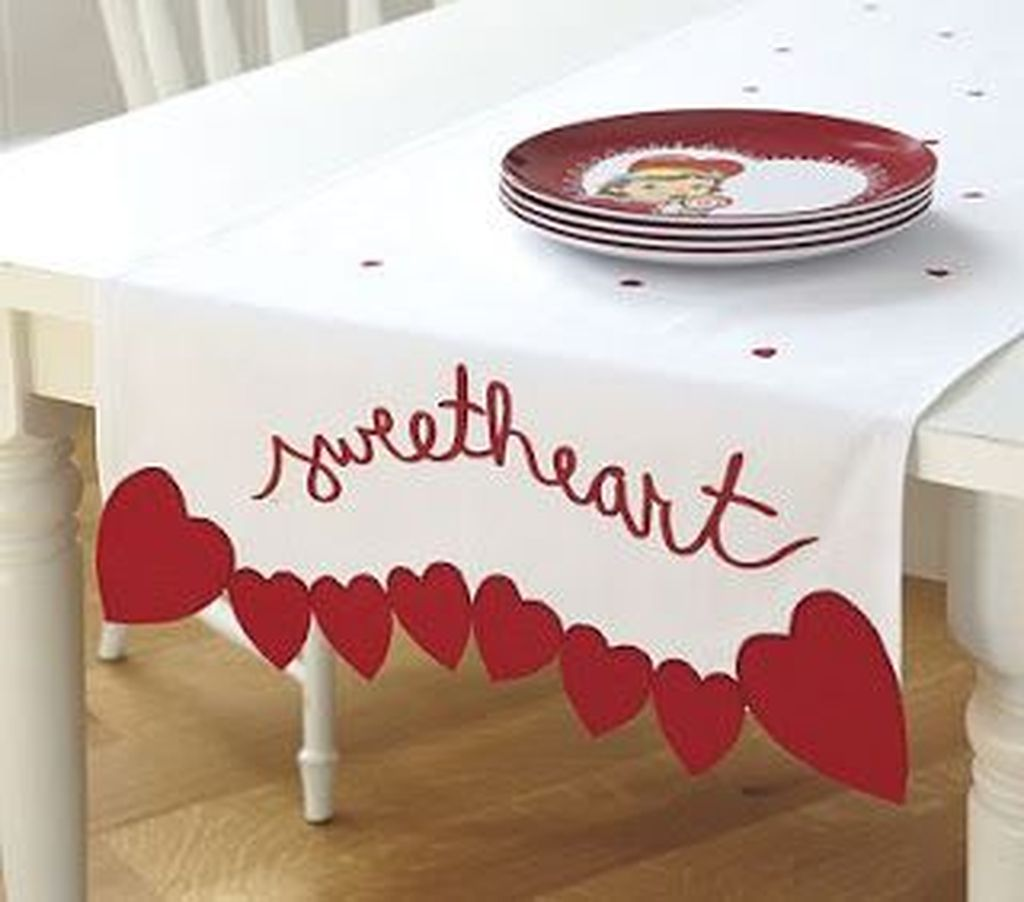 Lovely Valentine Table Decor That You Must Apply In The Dining Room 16