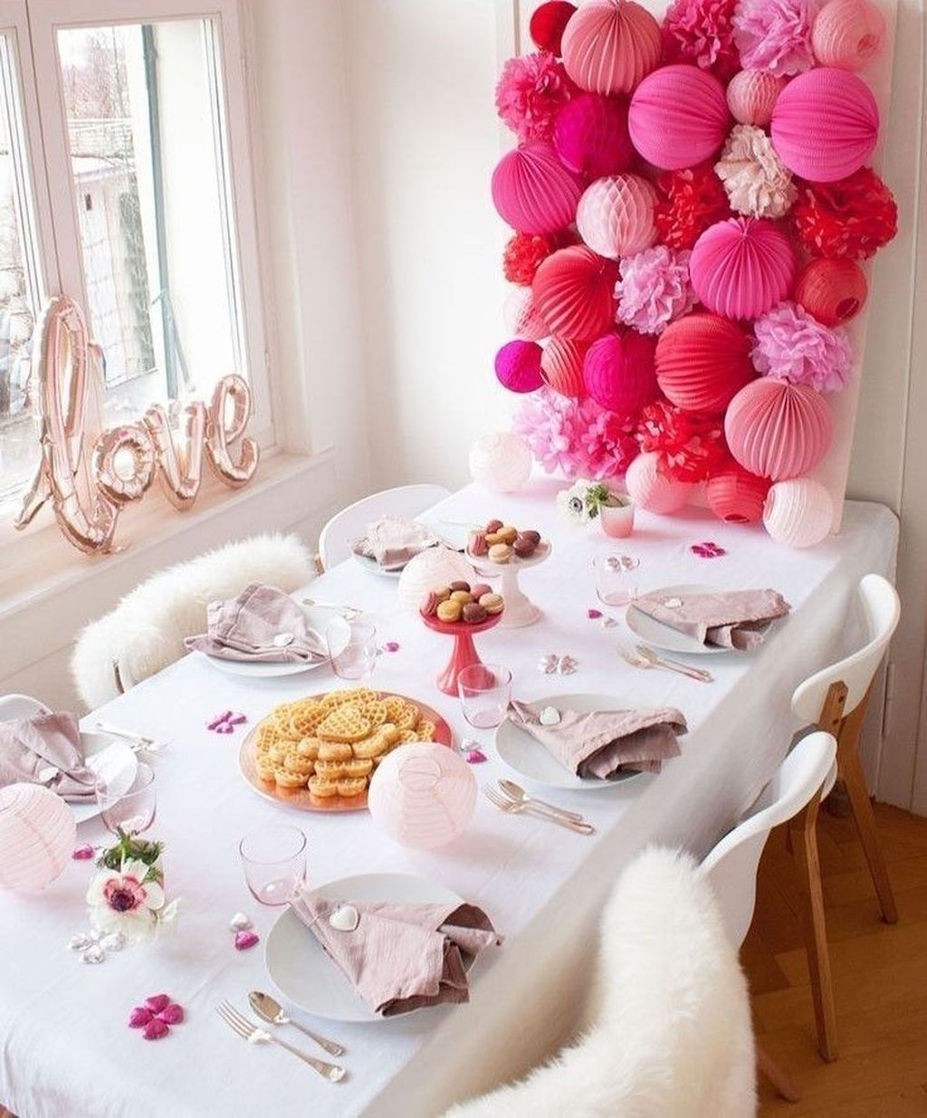 Lovely Valentine Table Decor That You Must Apply In The Dining Room 17