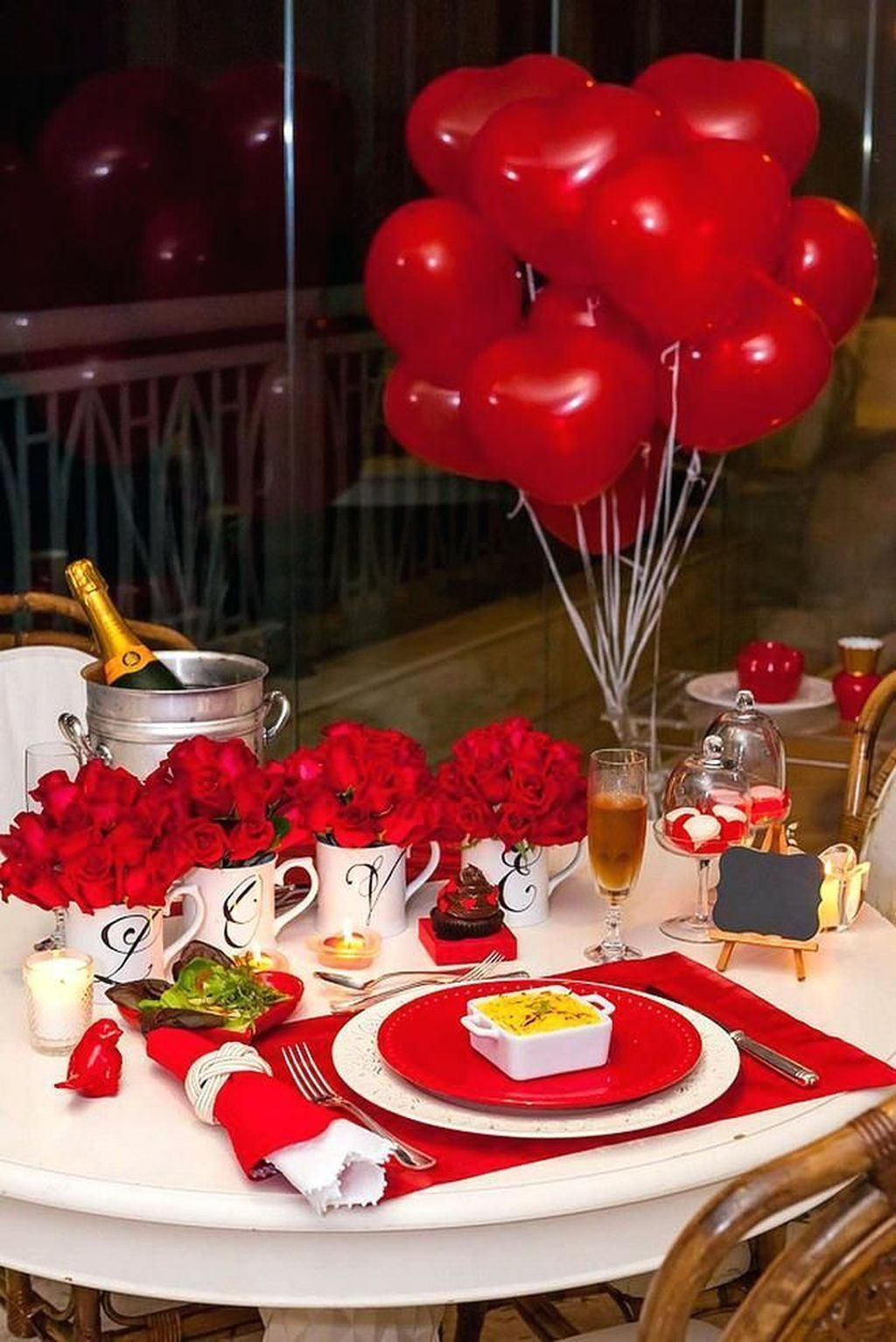 Lovely Valentine Table Decor That You Must Apply In The Dining Room 18