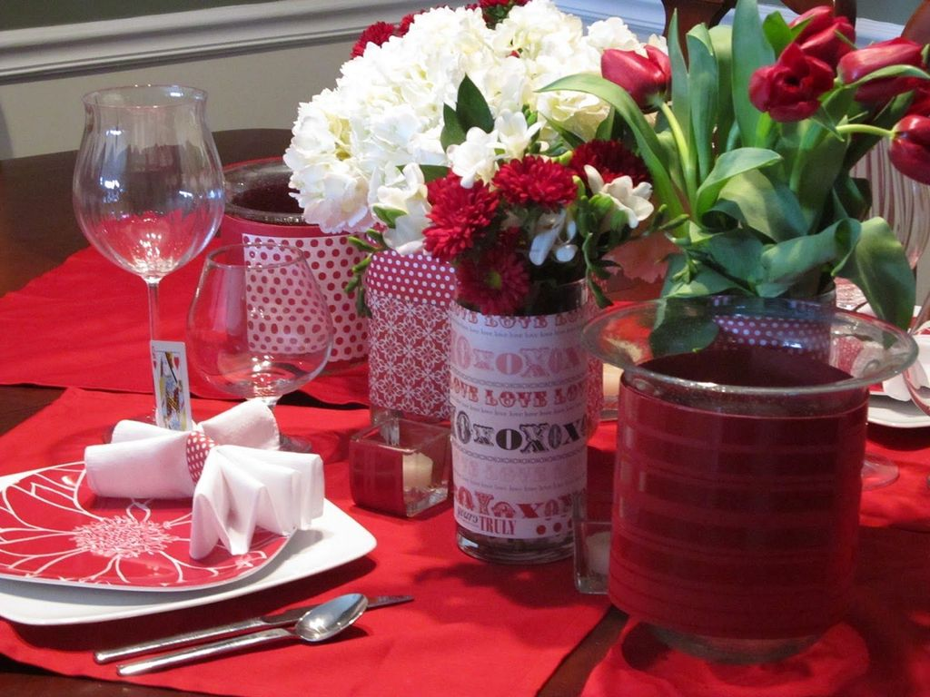 Lovely Valentine Table Decor That You Must Apply In The Dining Room 23