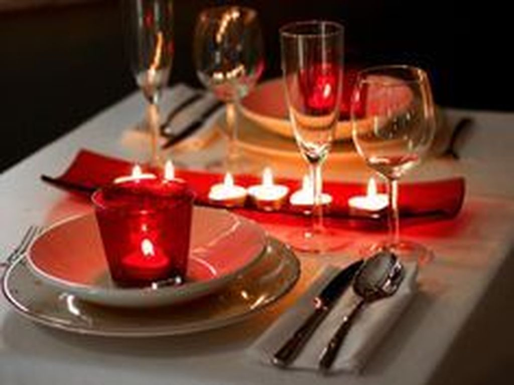 Lovely Valentine Table Decor That You Must Apply In The Dining Room 24