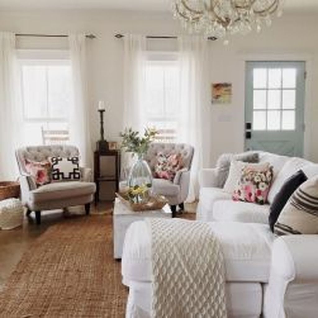 Popular French Country Living Room Decoration Ideas 18