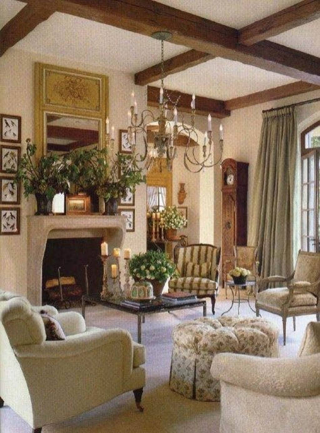 Popular French Country Living Room Decoration Ideas 29