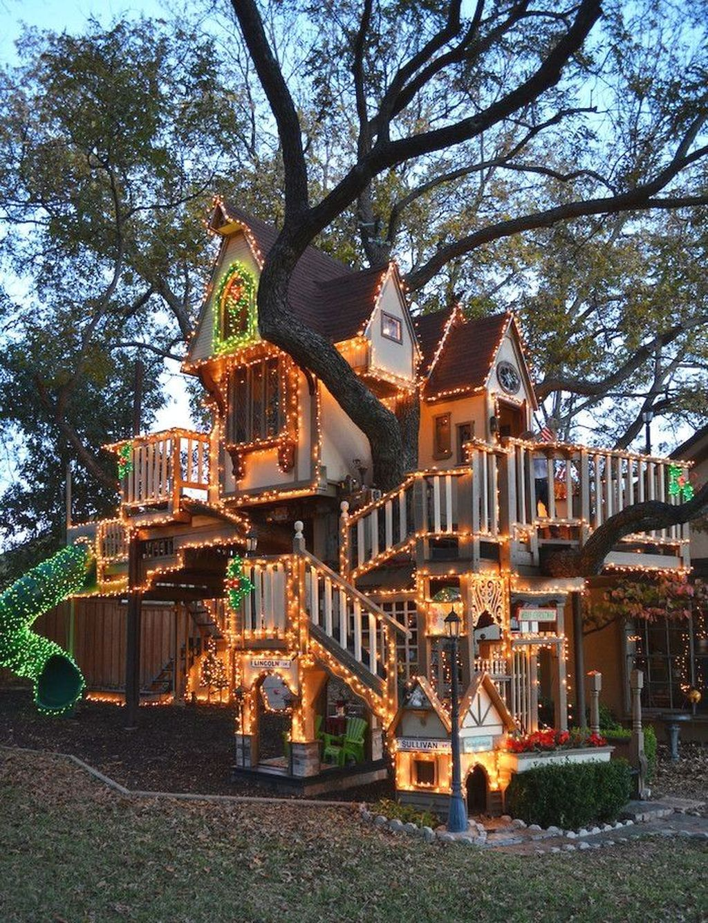 Stunning Tree House Designs You Never Seen Before 07