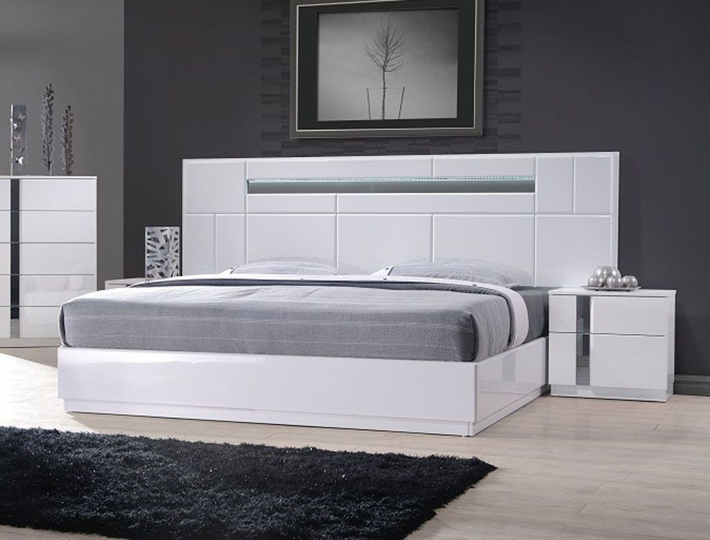 The Best Modern Bedroom Furniture To Get Luxury Accent 34