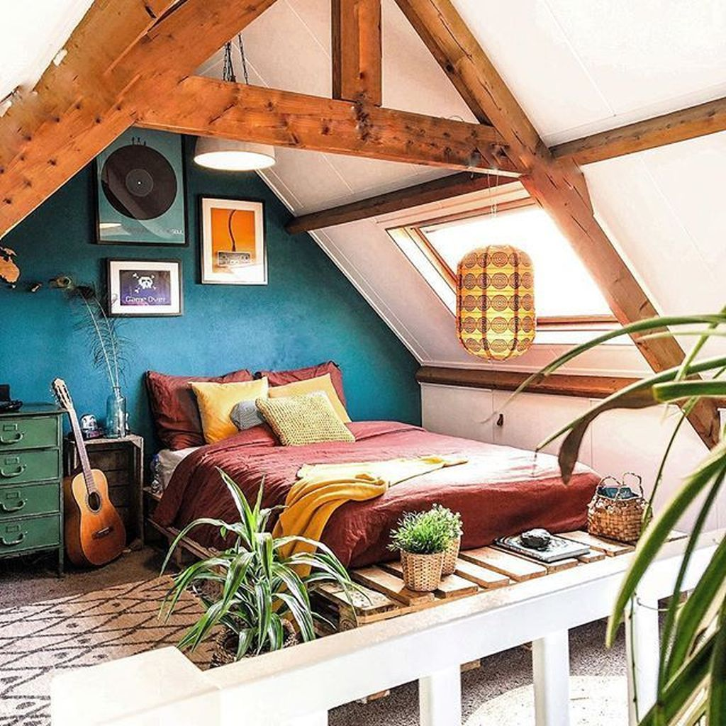 Lovely Attic Bedroom Ideas With Bohemian Style 04
