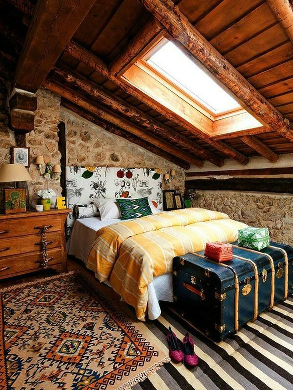 Lovely Attic Bedroom Ideas With Bohemian Style 05
