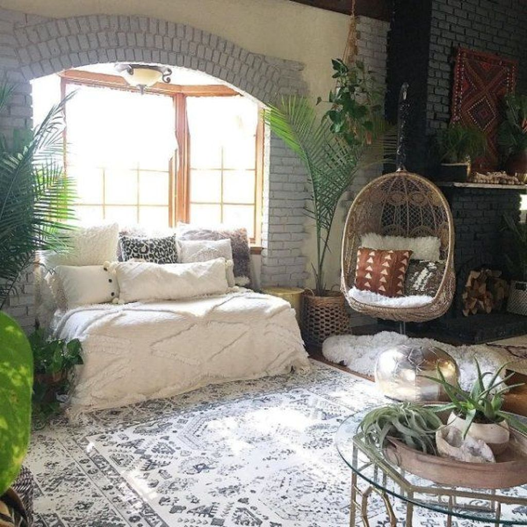 Lovely Attic Bedroom Ideas With Bohemian Style 18