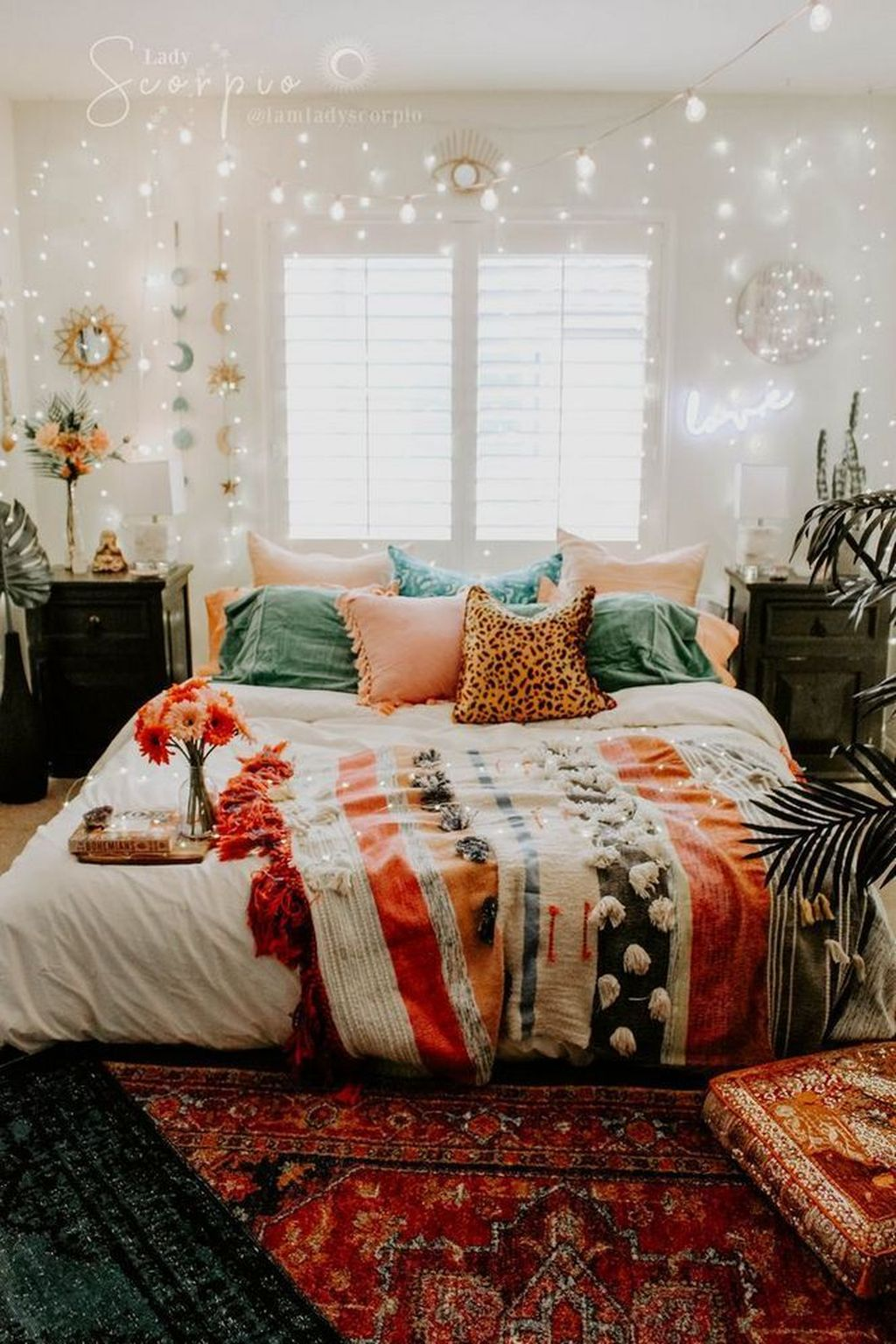 Lovely Attic Bedroom Ideas With Bohemian Style 21