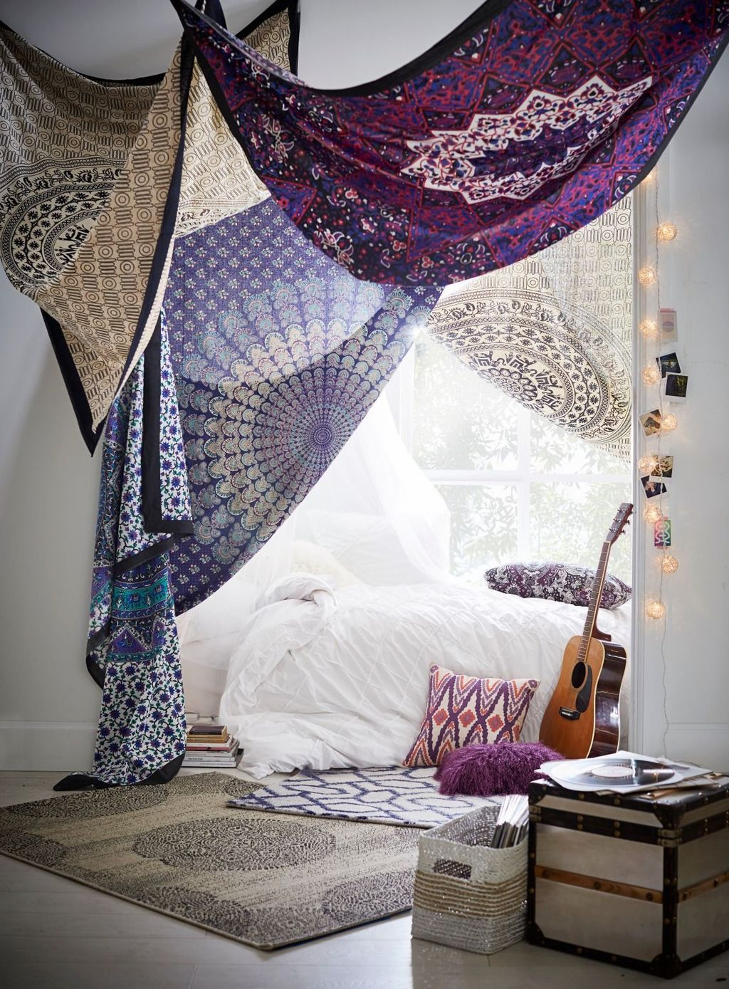 Lovely Attic Bedroom Ideas With Bohemian Style 22