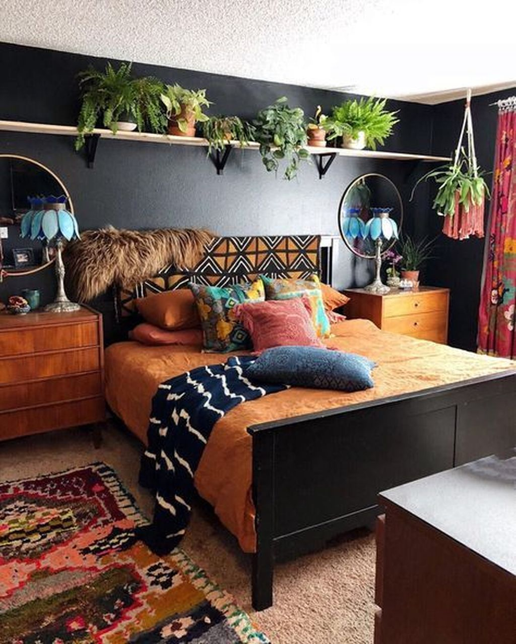 Lovely Attic Bedroom Ideas With Bohemian Style 27
