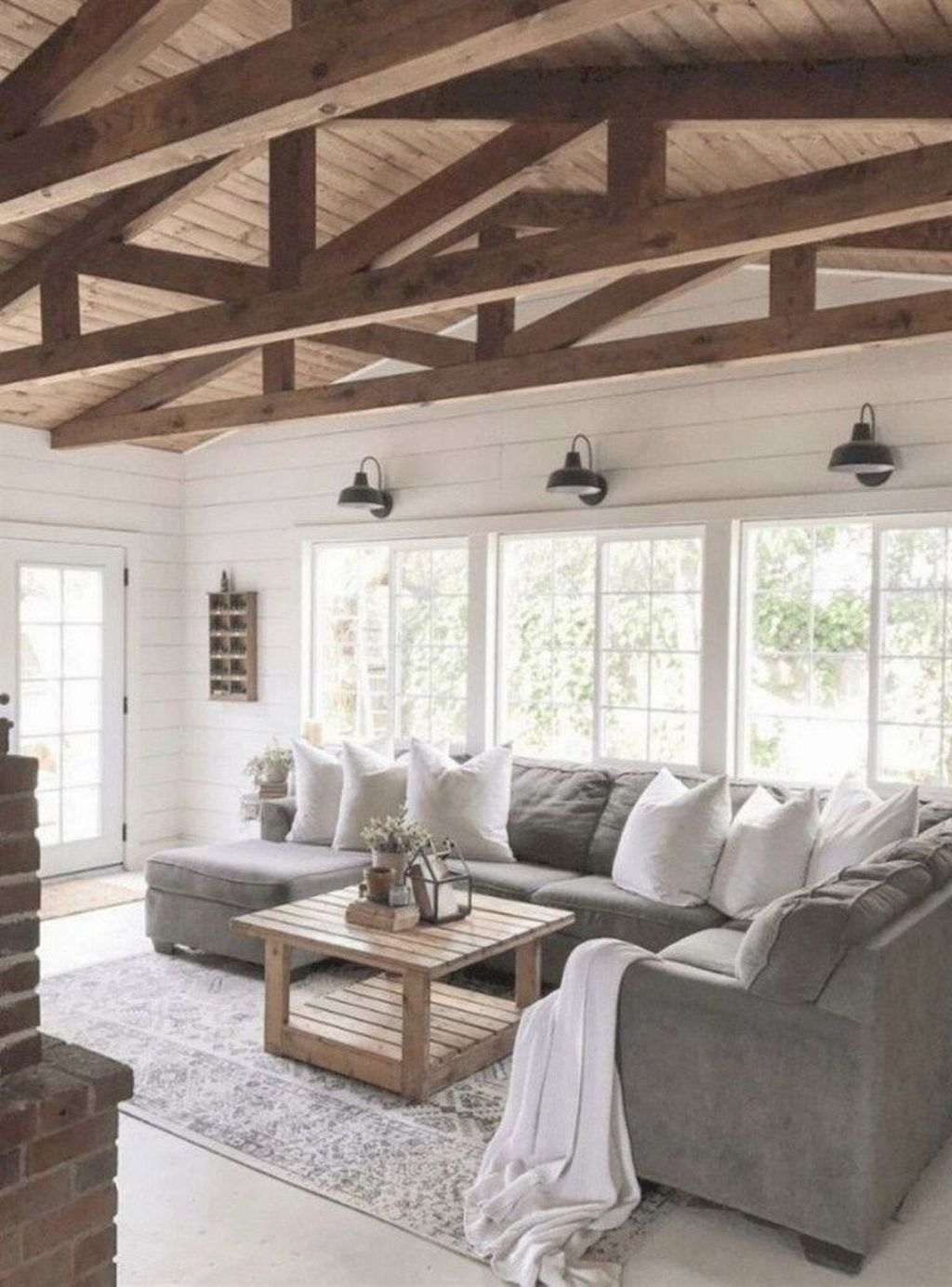 The Best Ideas To Decorate Interior Design With Farmhouse Style 09